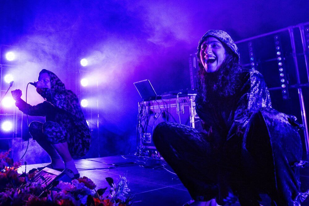 Solo van Nas & Jim_Maas theater en dans (credits: Phile Deprez) op Motel Mozaique Festival in Rotterdam